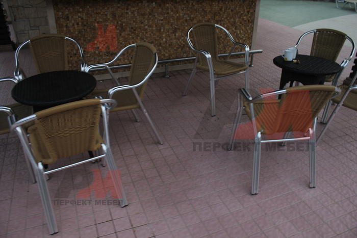 Здрав стол,произведен от алуминии с различен вид седалка