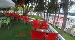 Градински червени столове от пластмаса