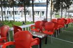 Градински пластмасови червени столове