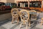 Издръжливи столове от естествен ратан