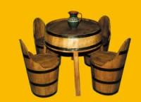 Дървени маси и столове за заведения от бурета